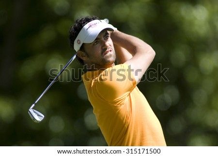 WENTWORTH, ENGLAND. 22 MAY 2009.Zane Scotland (GBR) playing in the 2nd round of the European Tour BMW PGA Championship. - stock photo