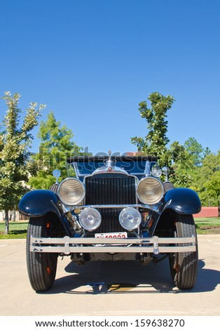WESTLAKE, TEXAS - OCTOBER 19: A 1929 Packard Model 640 Open Touring is on display at the 3rd Annual Westlake Classic Car Show on October 19, 2013 in Westlake, Texas. Front view. - stock photo