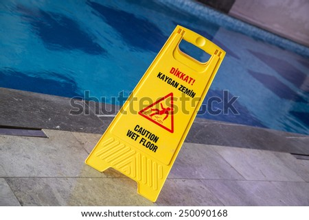 wet floor sign (turkish and english)