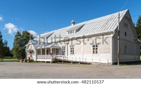 White people's house