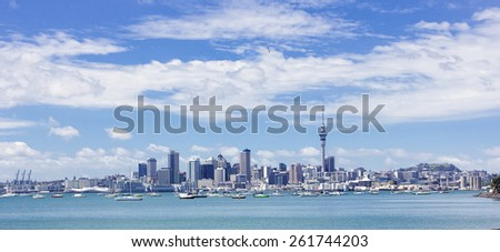 Wide view cityscape of Auckland, New Zealand