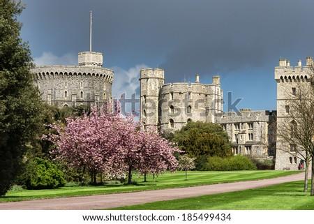 WINDSOR, BERKSHIRE/UK - APRIL 27 : Scenic view of Windsor Castle in Windsor Berkshire on April 27, 2005. Unidentified man. - stock photo