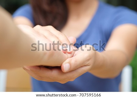 Holding Hands Care