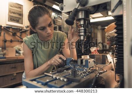 Machinist Images RoyaltyFree Images Vectors – Machine Mechanic