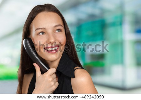 Woman talk on the phone