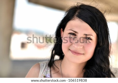 woman with balck hair