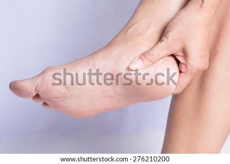 vết nứt nữ gót chân.