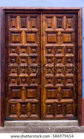 Wood Door Antique Wooden Door Stock Photo 586979654 - Shutterstock