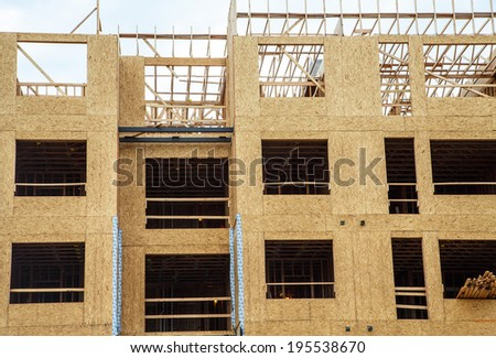 Wood sheathing panels on new apartment or condominium constuction