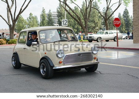 Woodland Hills, CA - Abril 5, 2015: BMW Mini classic car on display at the Supercar Sunday Pre-1973 Muscle car event.