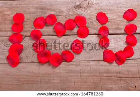 Words I love you with rose petal, valentines day