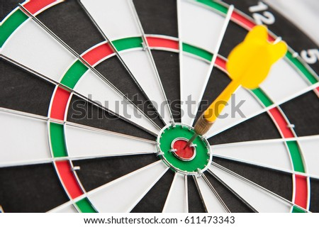 Yellow dart on target put on right frame