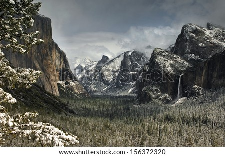 Yosemite Valley at tunnel view - stock photo