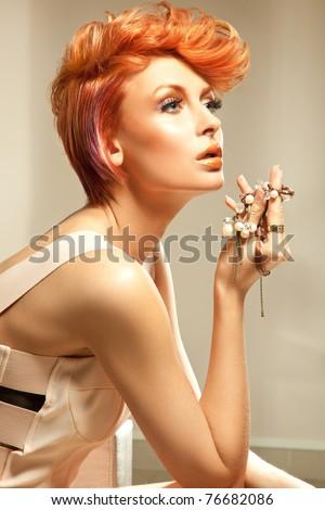 Người phụ nữ trẻ xinh đẹp
