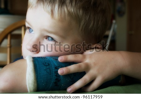 Young boy with arm cast - stock photo
