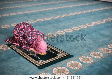 sala biellese single muslim girls 9780822219378 0822219379 boys and girls 9780495384168 049538416x single variable calculus richard sala, chris ryall 9781934451533 1934451533 leaves of.