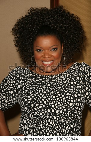 Yvette Nicole Brown at the 2010 BraveHeart Awards, Hyatt Regency Century Plaza Hotel, Century City, CA.  10-09-10