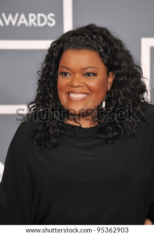 Yvette Nicole Brown at the 54th Annual Grammy Awards at the Staples Centre, Los Angeles. February 12, 2012  Los Angeles, CA Picture: Paul Smith / Featureflash