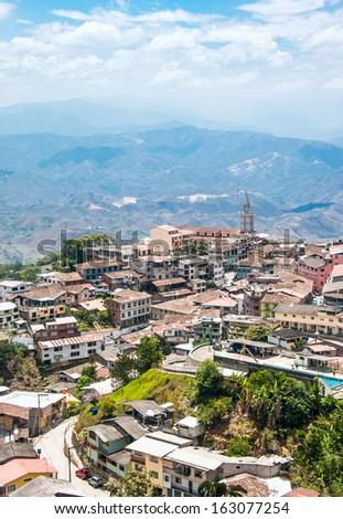 """Zaruma - Town in the Andes, Ecuador. Located in the southern province of El Oro (meaning """"the gold"""") in the western range of the Andes, Zaruma is a lovely hilltop town with steep twisted streets - stock photo"""