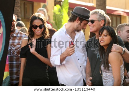 Zoe Saldana, Joel David Moore, Stephen Lang and Michelle Rodriguez at the induction ceremony for James Cameron into the Hollywood Walk of Fame, Hollywood Blvd, Hollywood, CA.  12-18-09