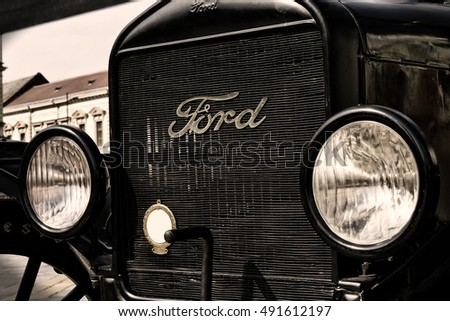 Zrenjanin ;Serbia ; 07.09.2016.Ford Model T from 1921 on exhibition of & Model T Ford Stock Images Royalty-Free Images u0026 Vectors ... markmcfarlin.com