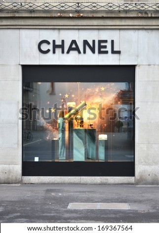 Chanel couture stock images royalty free images vectors for Haute zurich