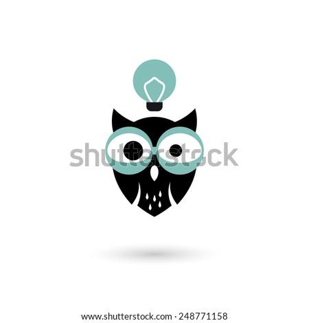 funny cartoon owl has an idea - stock vector