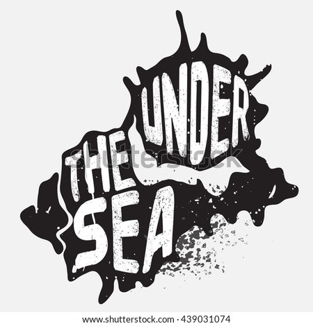 Rustic grungy sea shell vector